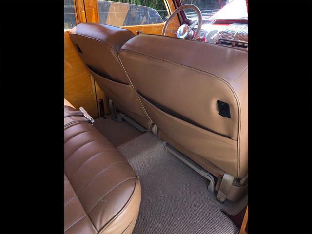 1948FordWoodieRedTanDO-seatbacks