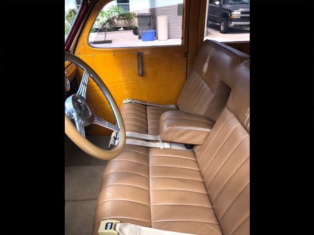 1948FordWoodieRedTanDO-seats