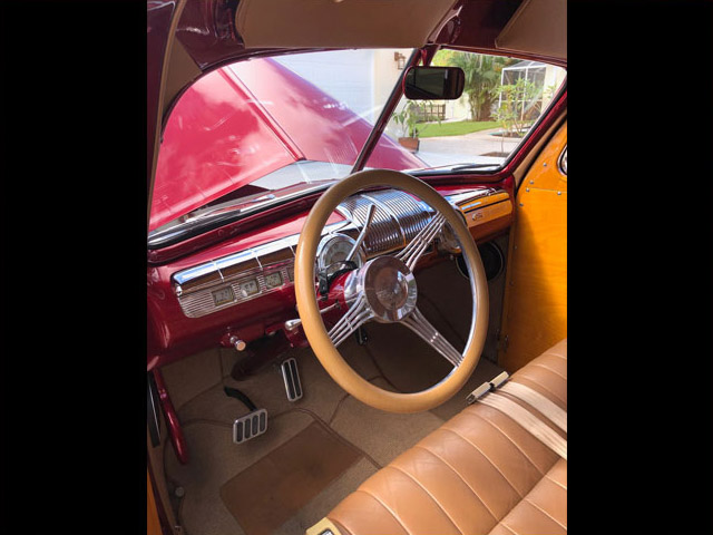 1948FordWoodieRedTanDO-steering